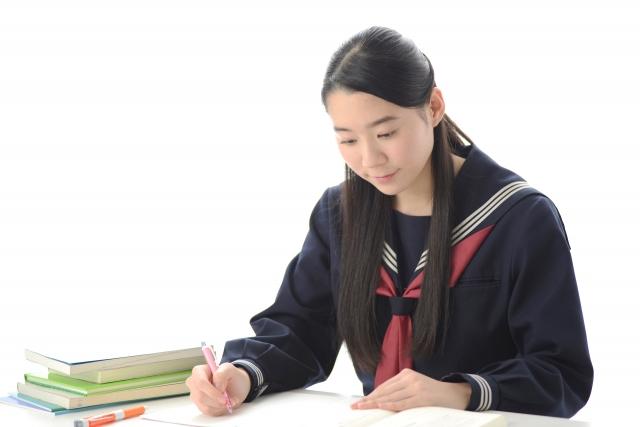最新の映像システムを使用!高校生専用の自学クラスです。高校でつまづいた生徒は自学の習慣がついていません。自学の習慣がついていない生徒を自分で学習できる生徒へと導き成績を向上させます。