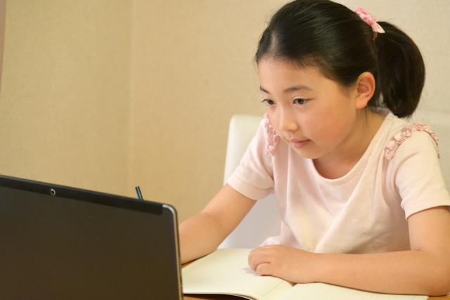 E-ラーニング教材(LMS)を家庭学習で自由に使うことが出来ます! 家庭学習の記録も管理し、学習指導しますので成績アップ間違いなしです!